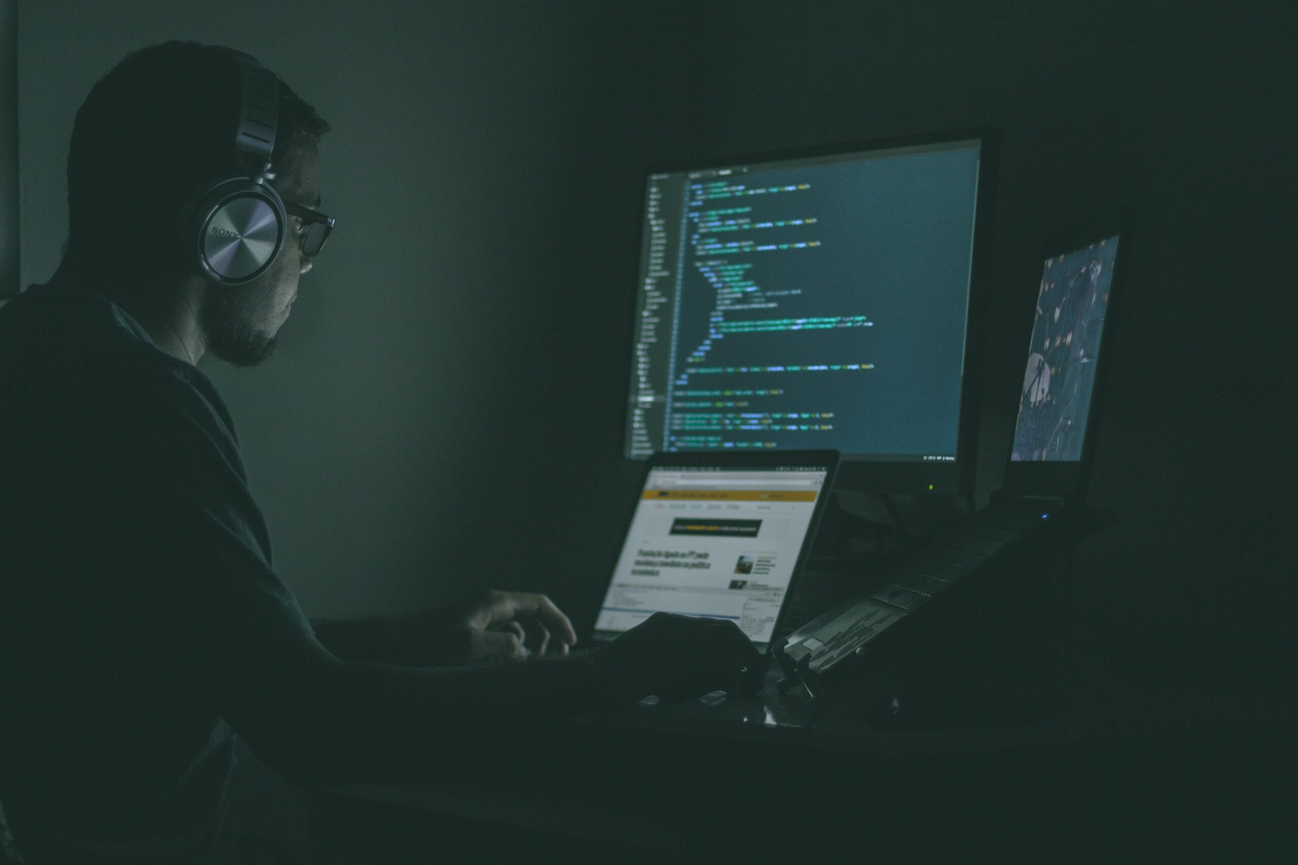 Cyber security &<br> Backup Solutions